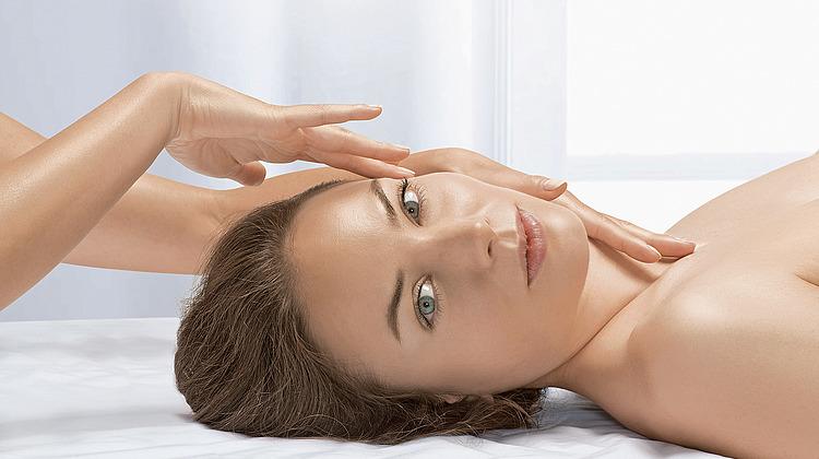 Japanische Schönheit Glamer Massage